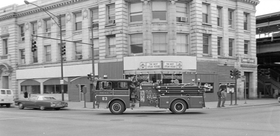 Fire engine from Chicago Uptown fire company, #83 in